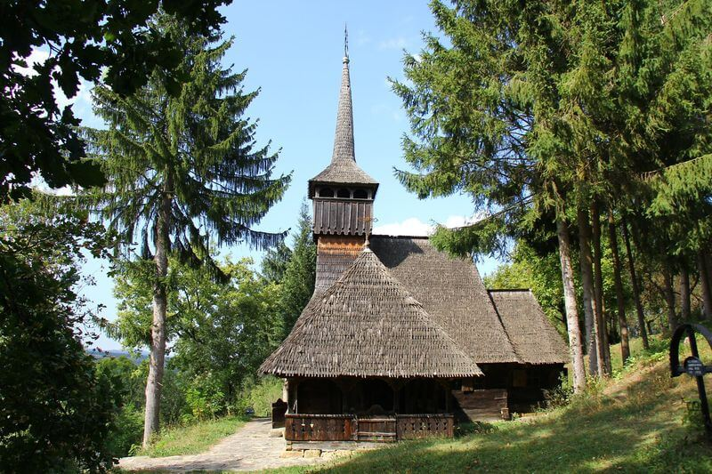 ROST - Biserica Calinesti Caeni (9)