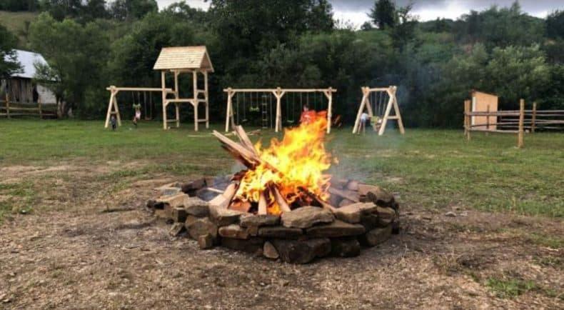 foc de tabara Podina Resort