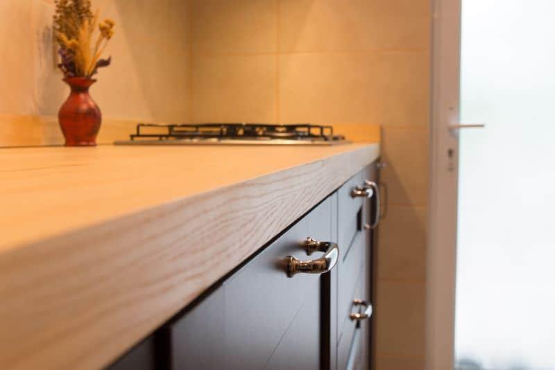 mobila de bucatarie IKEA cu blat din frasin masiv Dippanels