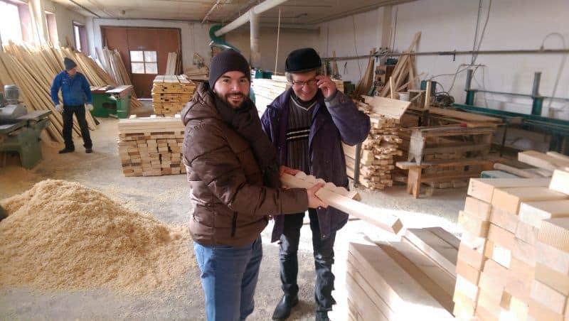 Pregătirea coloanei din lemn maestru Dafios