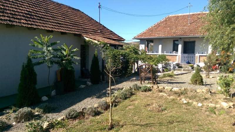 cazarea și casa proprietarilor