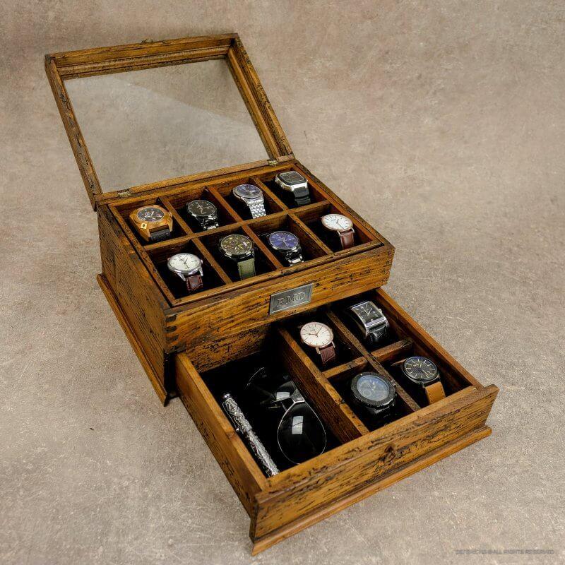 cutie cu finisaj antichizat