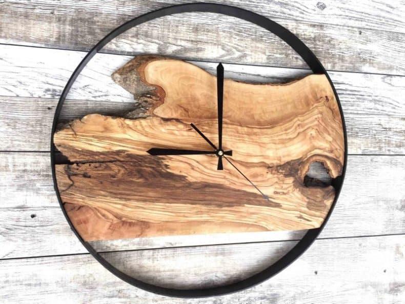 cadran din lemn brut