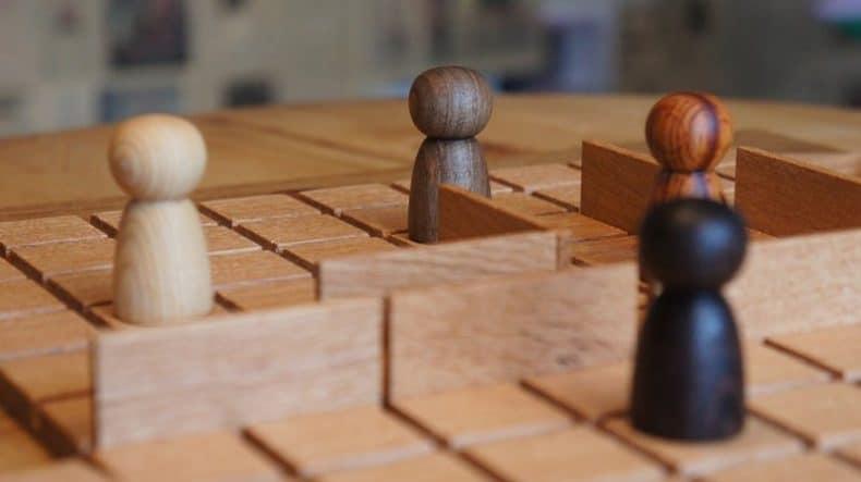 Quoridor - joc din lemn construit de Radu Vădan