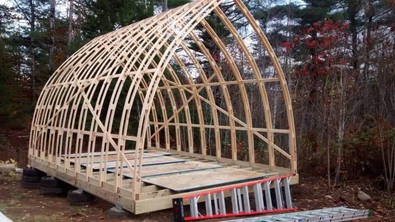 structura din lemn pe arce gotice