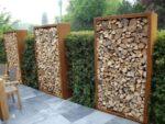 lemne pentru foc - stiva decor in grădina