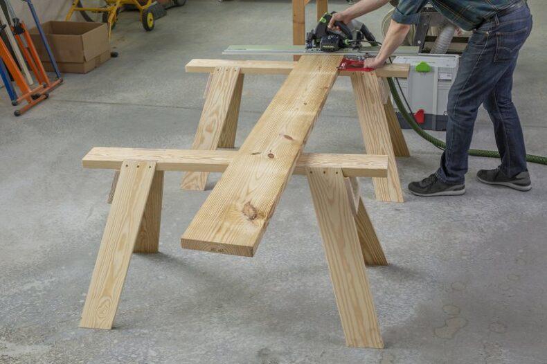 sawhorse - capra din lemn