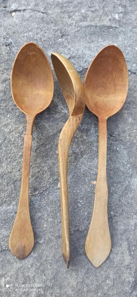 Linguri de lemn - Nea Călin